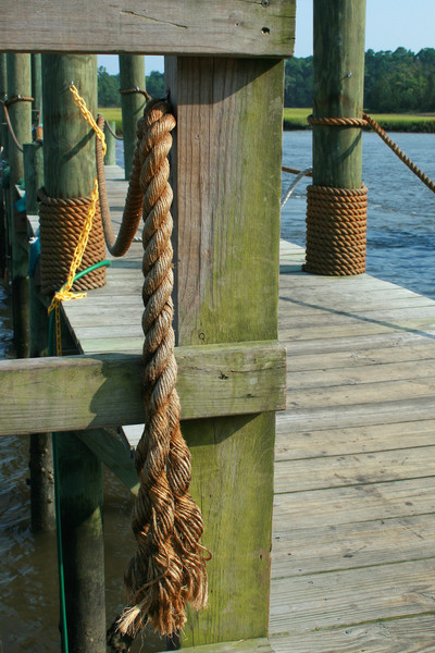 Big ropes on Little River fishing docks.