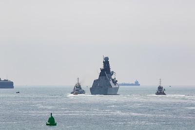 HMS Defender (D36)