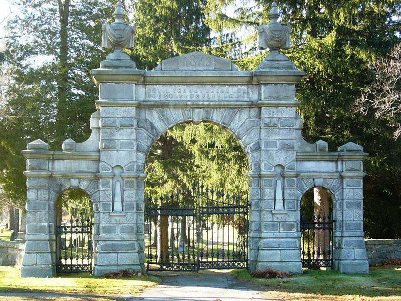 Brookfield Cemetery Memorial Arch Gate - <br /> <br /> David C. Mellen TE(RM)3<br /> <br />  <br /> Burial:<br />  Brookfield Cemetery <br /> Brookfield<br />  Worcester County<br />  Massachusetts, USA<br />  Plot: A 028<br />  <br /> Tony Lupacchino TE(RM)2 - Company Clerk, Company 359.