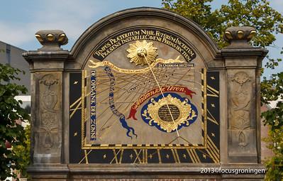 nederland 2013, groningen, turfsingel, prinsentuin, zonnewijzerpoort