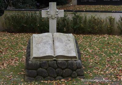 nederland 2011, groningen, hereweg, rooms- katholieke begraafplaats, hereweg