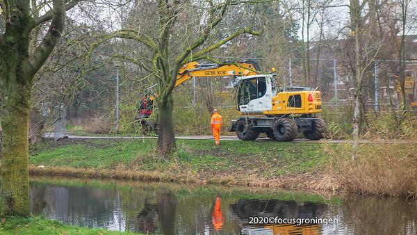 nederland 2020, groningen, park selwerd, vervanging brug 't tiltje