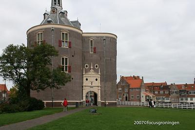 nederland 2007, enkhuizen, havenweg, watermolen