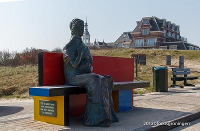 nederland 2012, domburg, boulevard van schagen, mondriaanbank met godin nehalennia