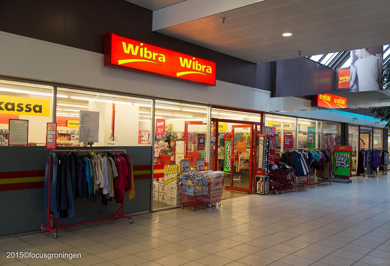 nederland 2016, groningen, paddepoel, winkelcentrum, wibra