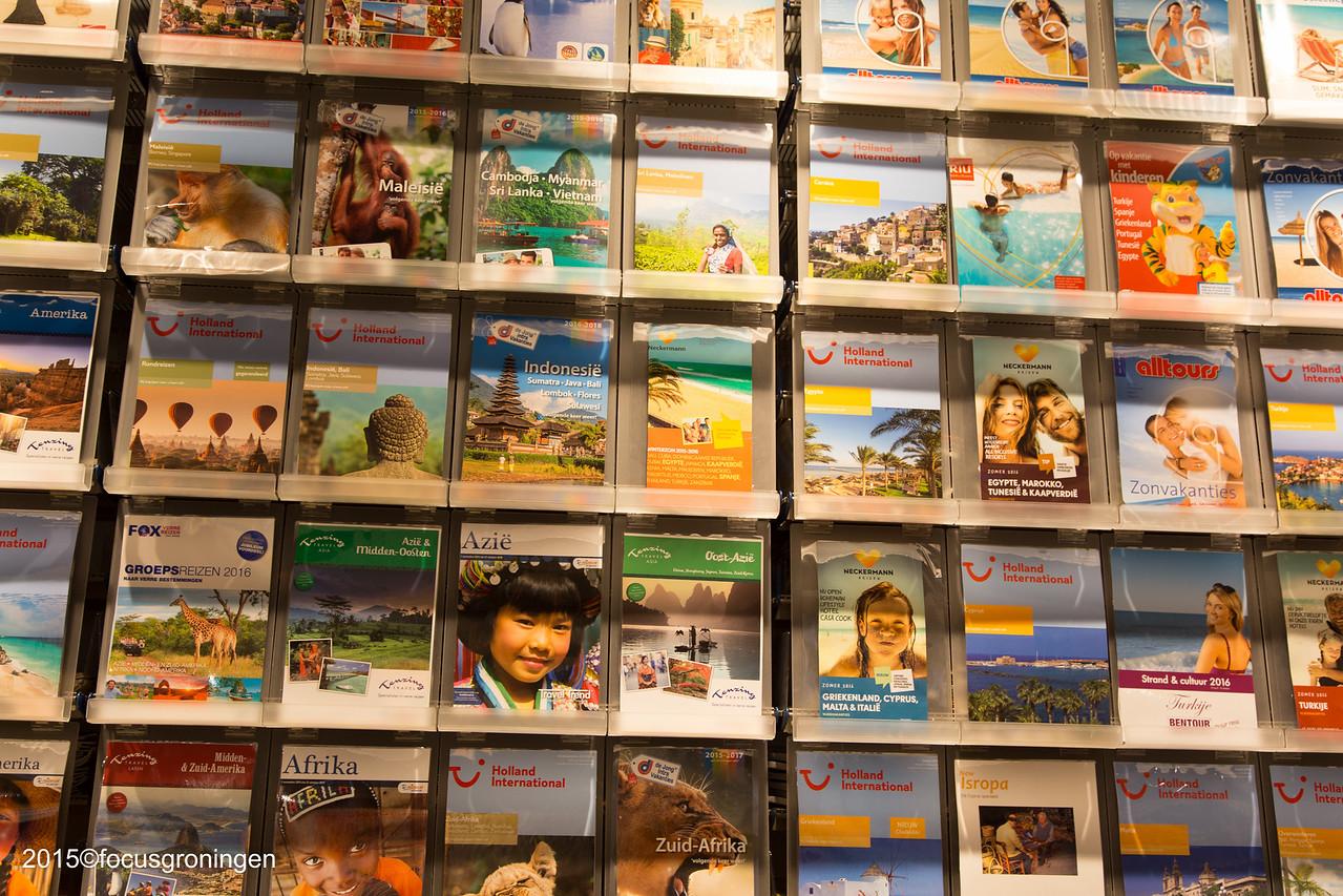 nederland 2016, groningen, paddepoel, winkelcentrum, d-reizen