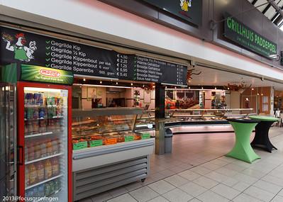nederland 2013, groningen, paddepoel, winkelcentrum, grillhuis, dierenriemstraat
