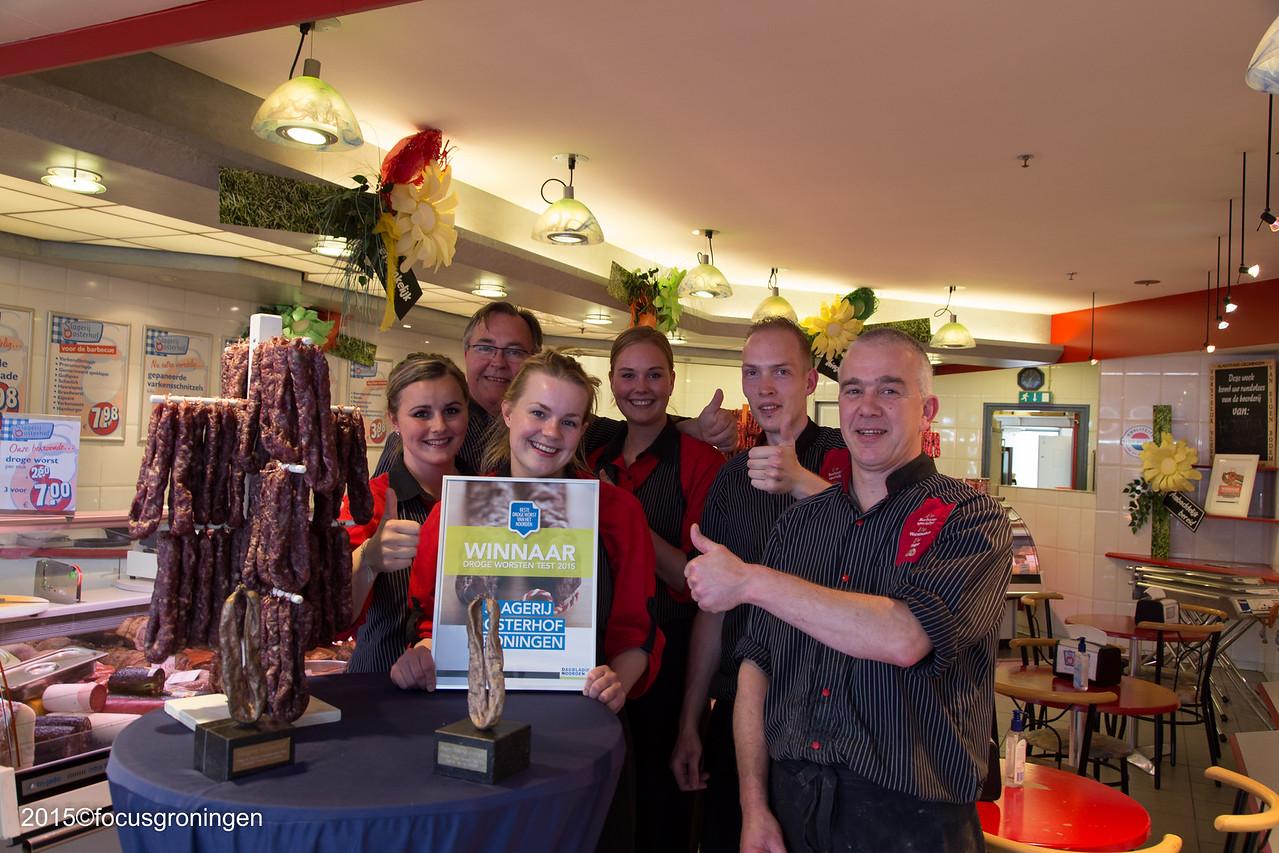 nederland 2015, groningen, paddepoel, winkelcentrum, slagerij oosterhof, dierenriemstraat