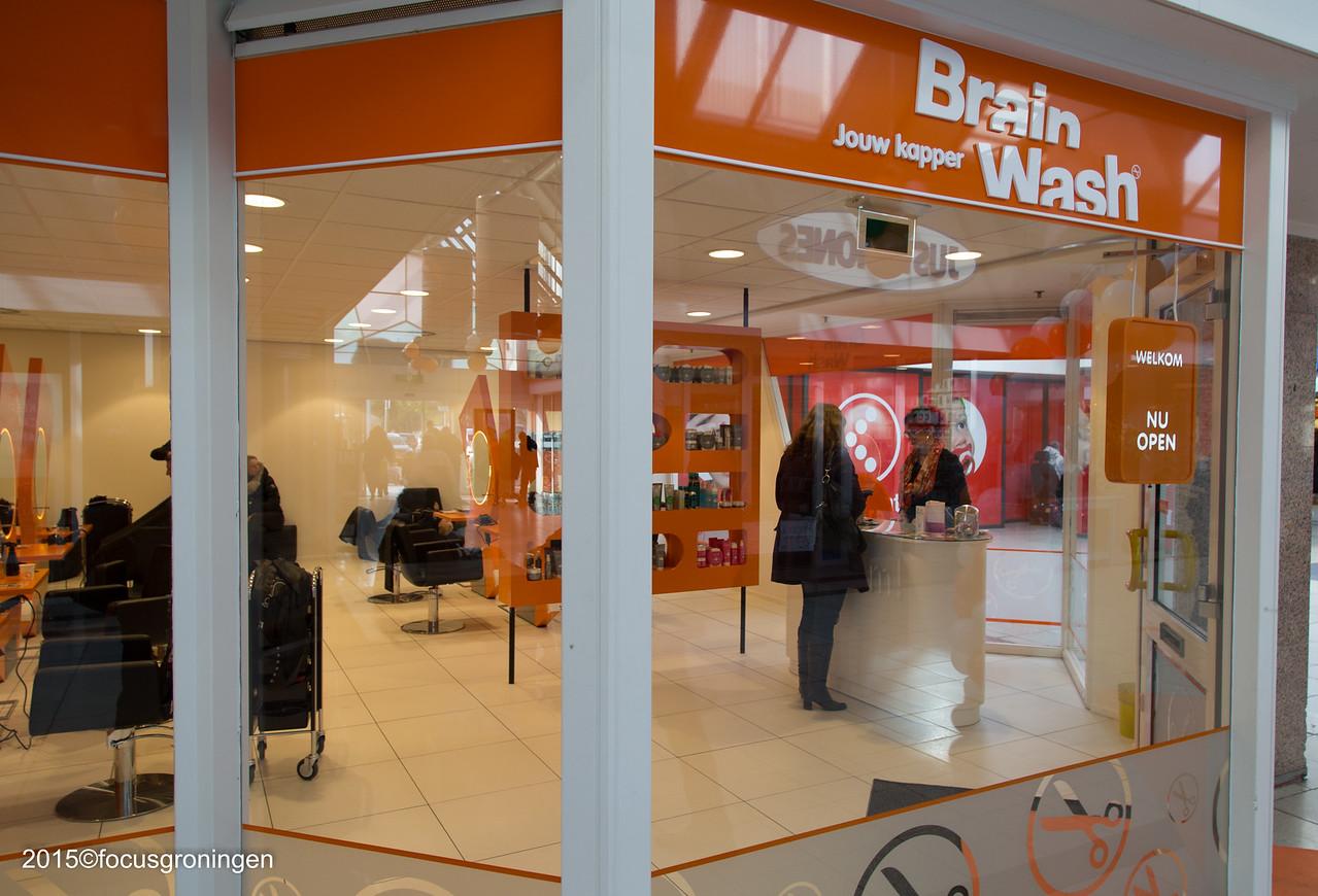 nederland 2015, groningen, paddepoel, winkelcentrum, brain wash