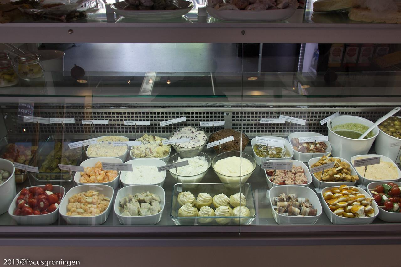 nederland 2012, groningen, paddepoel, winkelcentum paddepoel, estrella tapas, dierenriemstraat