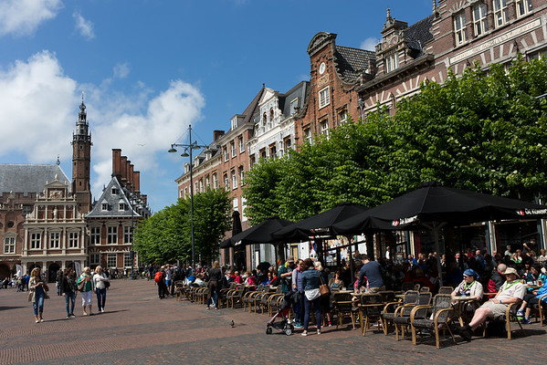 """The """"Grote Markt"""", the central Market Square of Haarlem"""