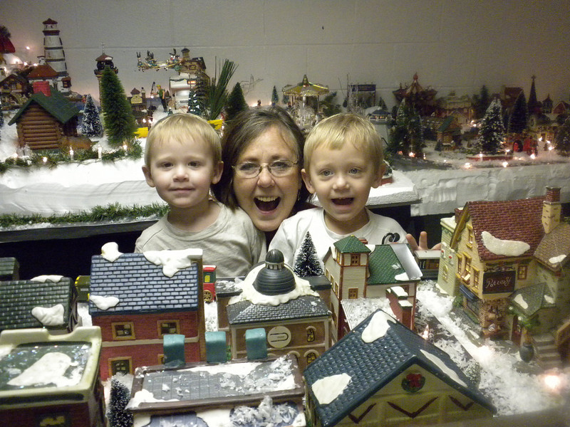 ryan and rhett with Nana 033