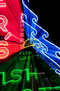 us-ca-berkeley-neon-under-repair-restaurant-cafe-cafeteria-diner-spengers-restaurant-1920-fourth-street-neon-glowing-zoom-01