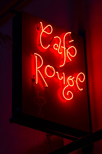 us-ca-berkeley-neon-gone-restaurant-cafe-cafeteria-diner-cafe-rouge-1782-fourth-street-neon-glowing-night-03