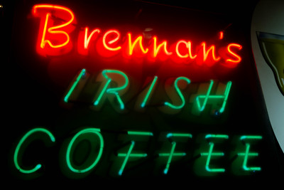 us-ca-berkeley-neon-gone-restaurant-cafe-cafeteria-diner-brennans-700-university-avenue-neon-glowing-01