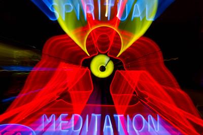 us-ca-berkeley-neon-gone-shop-business-meditation-neon-1749-solano-neon-glowing-night-01