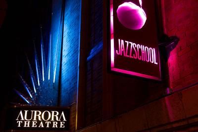 us-ca-berkeley-neon-theater-jazz-club-2087-addison-neon-glowing-night-04