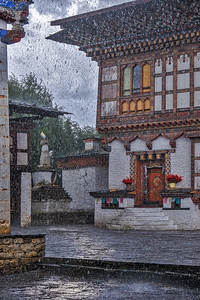 Kunzang Choden (20th generation manor house/palace in Ogyen (Ugyen) Choling village (2800m)