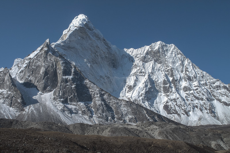 Ama Dablam (6812m)
