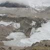 de Lhotse Shar gletsjer eindigt in het meer Imja Tsho<br /> Lhotse Shar glacier ending in lake Imja Tsho