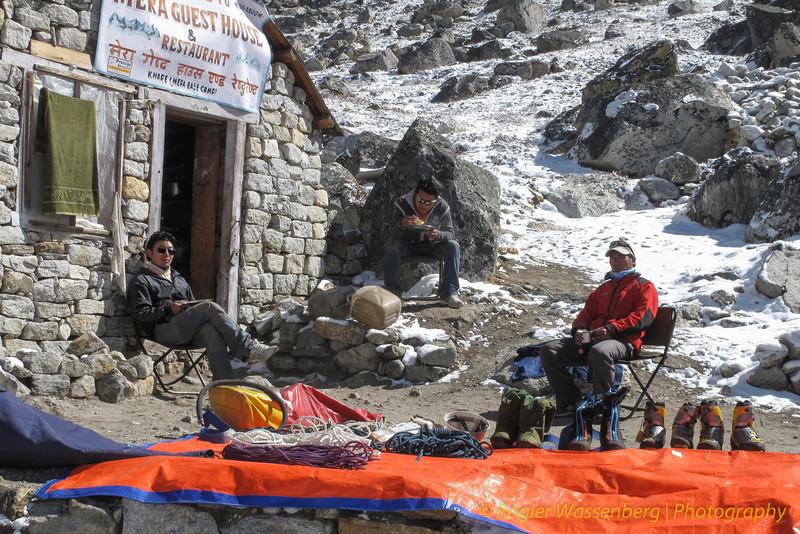 rustdag en spullen uitzoeken voor Mera Peak<br /> relaxed . . .