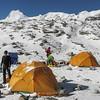 Mera Peak base camp, spullen uitzoeken voor de topaanval
