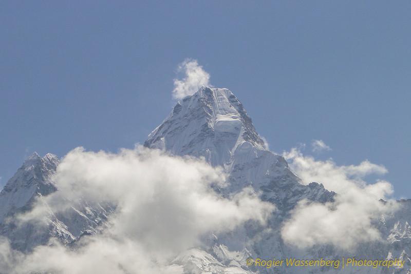 Ama Dablam (6856m)
