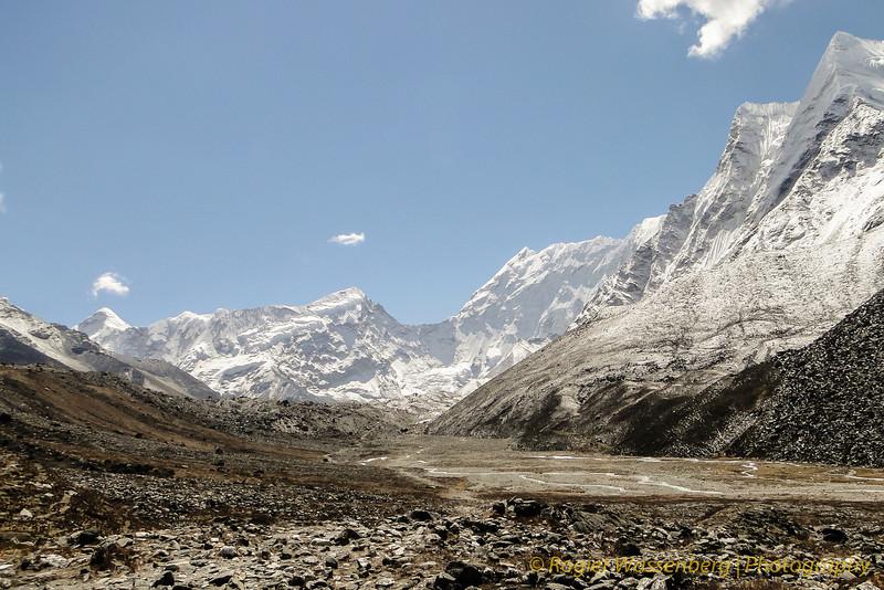 Cho Polu (6695m) en Baruntse (7152m)