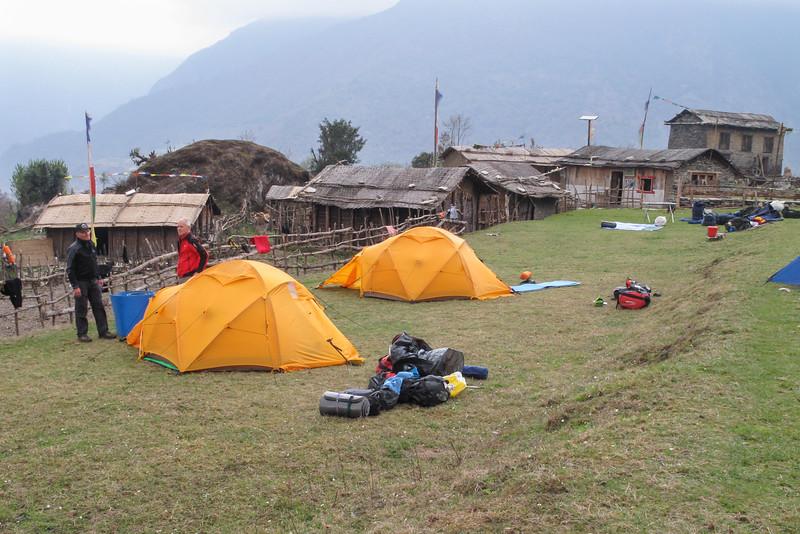 kamp Najing (2695m)