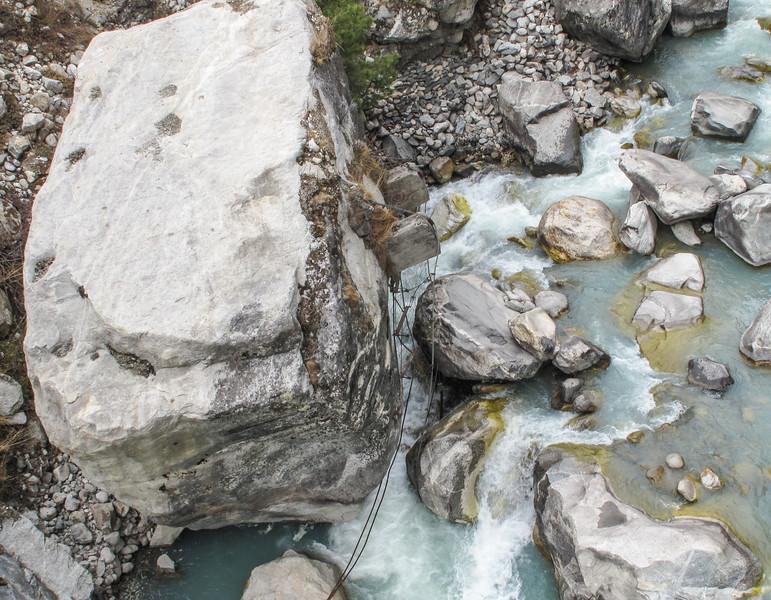 restanten van de oude brug (Phunki)