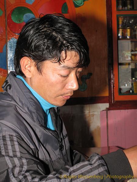 onze gids, Ang Gelsjen<br /> our guide, Ang Gelsjen