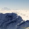 in de verte: Kanchenjunga (8500m)