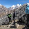 Onderweg naar Mera La. Zicht op bergen zonder naam (6200 - 6400m)