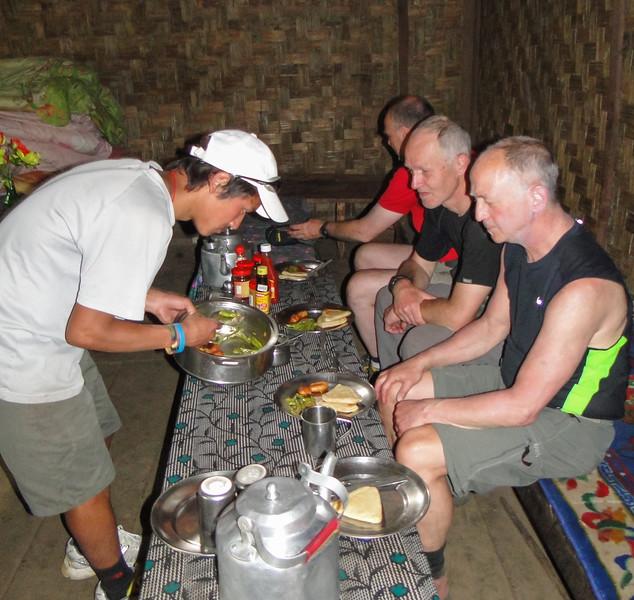 lunch in lodge 'Mera Peak'