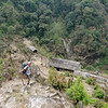 afdaling naar Hinku Dranka brug