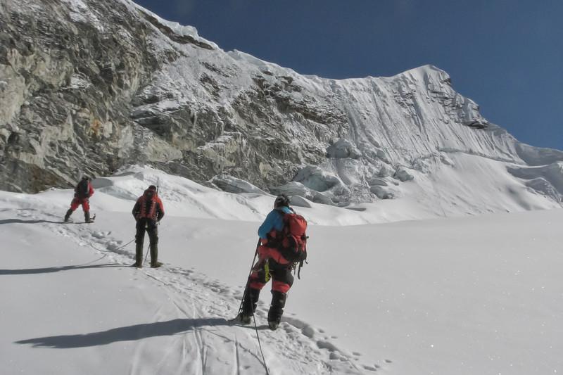Island Peak ijswand (hoogte 300m)