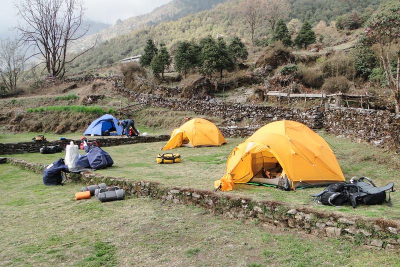 kamp in Pangongma