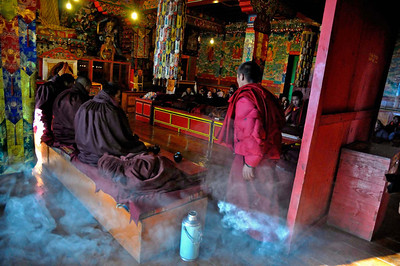 Prayer service Thyanboche monastery