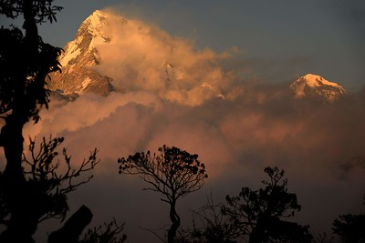 Annapurn South and Huinchuli sunset from Tadapani