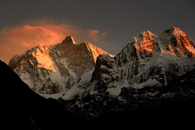Jannu and Sobithongie from just before Kangbachen winter sunset