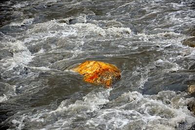 The foaming Phu river