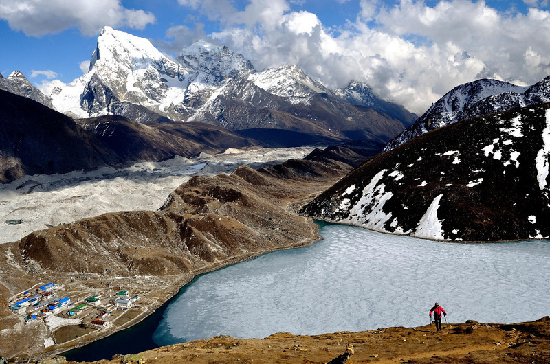 Climbing to Gokyo Ri with Cholatse behind