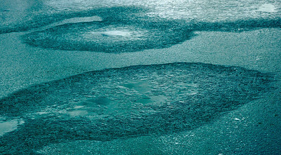 Patterns on the third lake of Gokyo