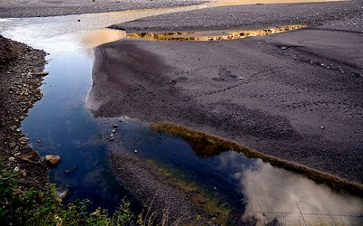 Near Yaru Bagar , south of Jagat, the Budhi Gandaki flows though this flat plain