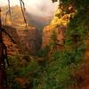 Великий Падмасамбхава предсказал, что во времена, когда мир погрузится в раздоры и войны, долины, лежащие на этом пути останутся нетронутыми, чистыми. Наиболее значимые буддийские монастыри в долине – Рачен Гомпа (3240 м) и Му Гомпа (3700 м). Особо почитаемое и священное место – пещера Миларепы (буддийского учителя, поэта, одного из основателей линии Кагью).