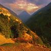 По долине Тзум проходит древний и очень почитаемый путь буддийских паломников – Кьимо Лунг, он проложен по стопам великого буддийского учителя Гуру Ринпоче, основателя тибетского буддизма Ваджраяны (IX в.).