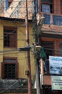 Naprawe swiatla/prądu - ichnie okablowanie jest naprawde dla nas zaskonczeniem