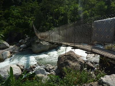 Most w pelnej krasie - w sumie to na szlaków takich jest bardzo niewiele, pozmieniano je na nowe cale metalowe