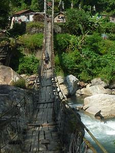 A to ja ide sprawdzic czy most sie aby nie zarwie