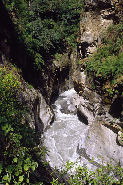 The river is very narrow here at the deepest gorge in the world between Dhaulagiri and Annapurna.